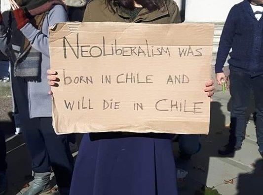 """""""Ο νεοφιλελευθερισμός γεννήθηκε και θα πεθάνει στη Χιλή"""""""