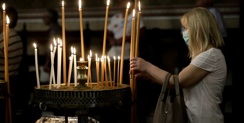 Χαλάρωση των μέτρων για τη λατρεία