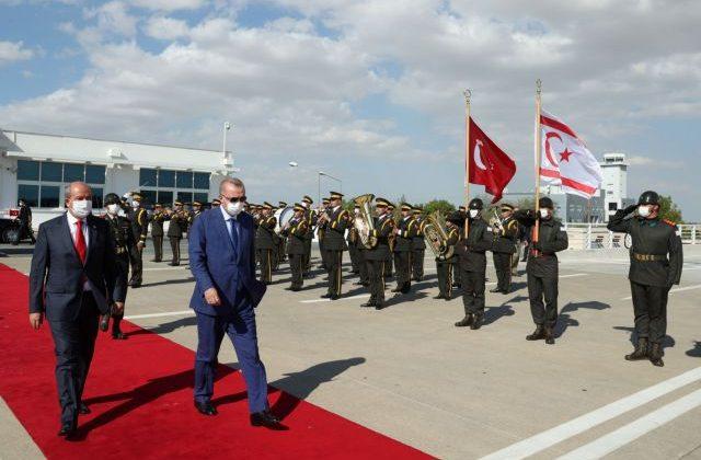 Αφαίρεση κυπριακών διαβατηρίων από Τατάρ και Σία