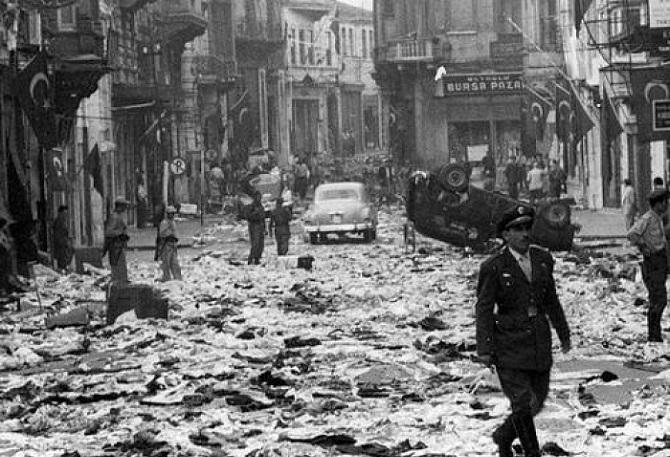 """Η """"νύχτα των κρυστάλλων"""" κατά των Ελλήνων της Πόλης"""